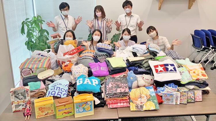 成友興業株式会社様より、ぬいぐるみやおもちゃ、子ども服などが届きました♪