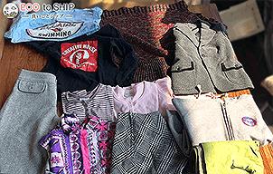 届いた洋服や子供服などの衣類(古着)2